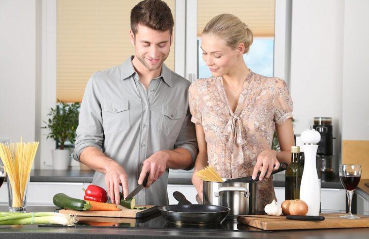 couple qui a compris mangez bougez