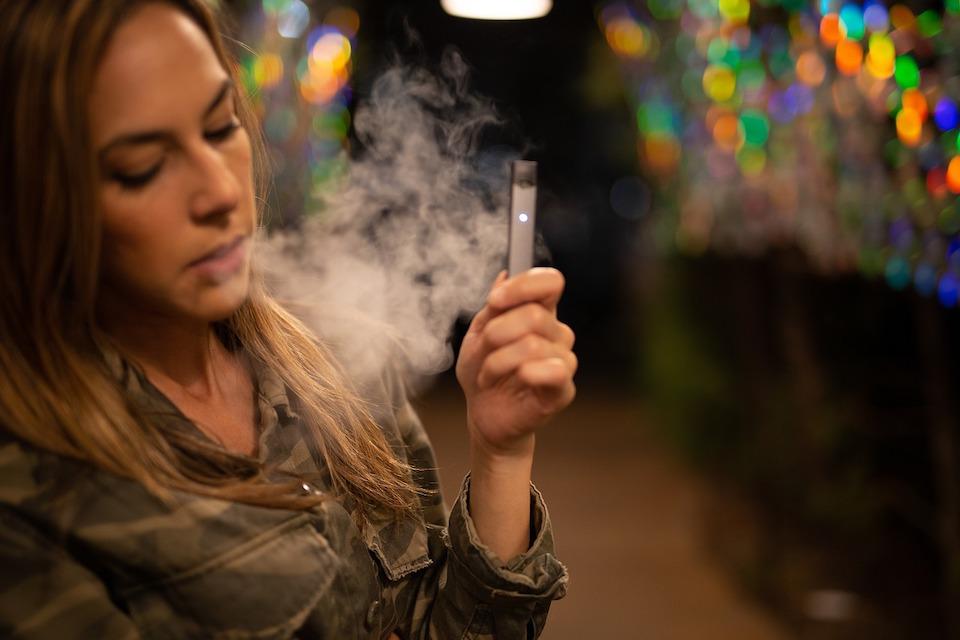 Certains passent à la cigarette électronique